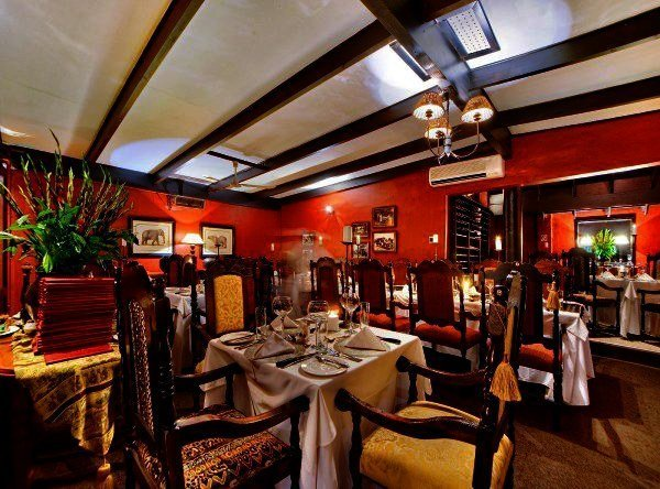 Eating at a place like Wombles steakhouse in this picture reminds me of the atmosphere of a a similar steak establishment in NYC named Keens. That's where the similaries end though as a meal at Keens for 2 would have cost me 250$ and Wombles would be 1/3 of that.