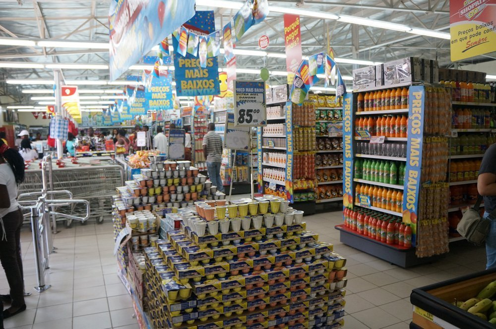 Grocery store in Xai-Xai in the south. Looks pretty nice? Ya don't expect anything like this in the north.