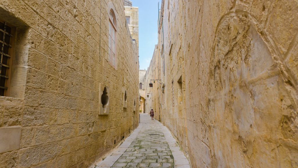 More walking down the streets of Mdina